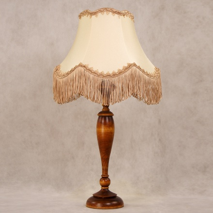 LN14-TR02-SB: Ретро лампа со светло-бежевым абажуром и бахромой